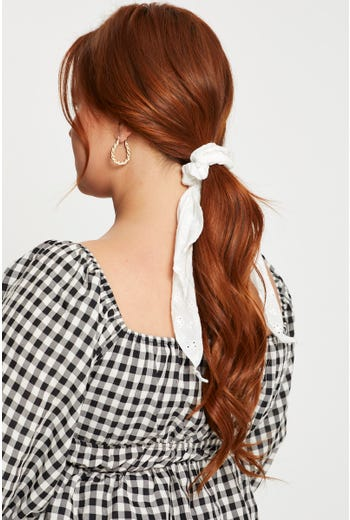 Broderie Scrunchie With Tail