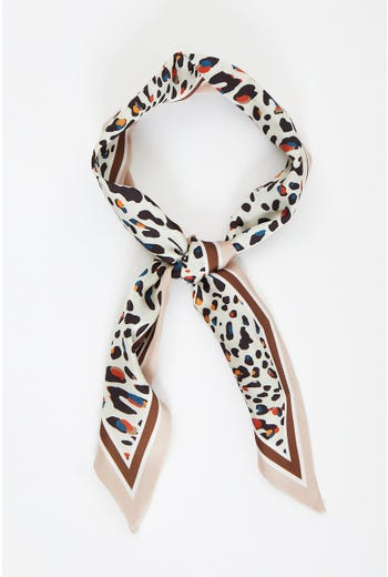 Plus Leopard Print Satin Border Scarf