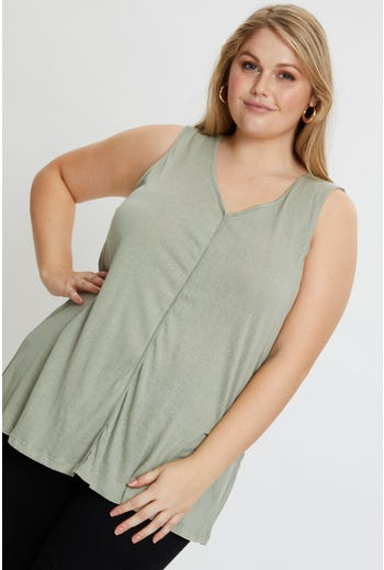 Plus V neck Swing Top