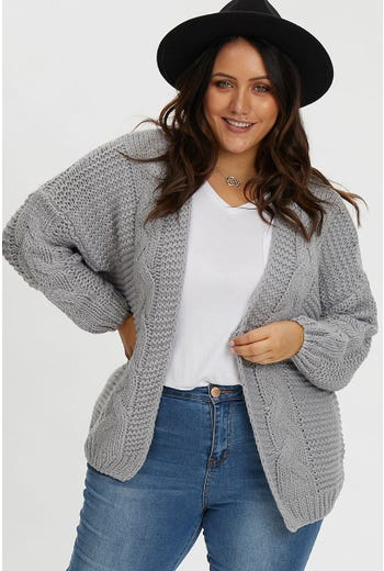 PLUS CHUNKY CABLE CARDI