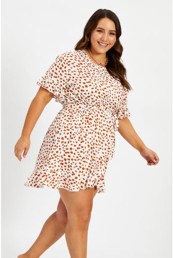 Plus Short Sleeve Geo Print Ruffle Dress