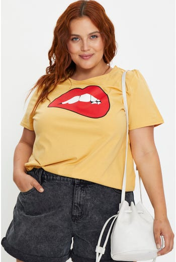 Plus Short Sleeve Jersey Graphic Print Lips T Shirt