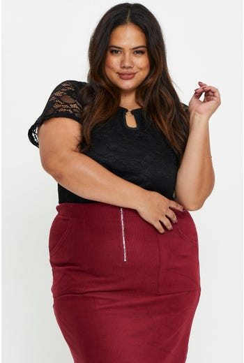 Plus Lace V-Neck Ring Top