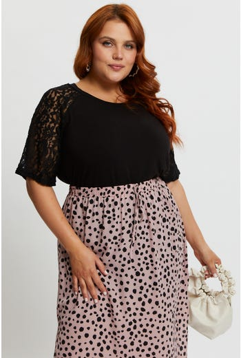 Plus Lace Short Sleeve Top