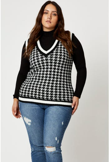 Plus Houndstooth Knit Vest