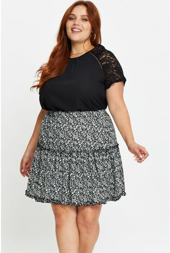 Plus Floral Print Tiered Skater Skirt