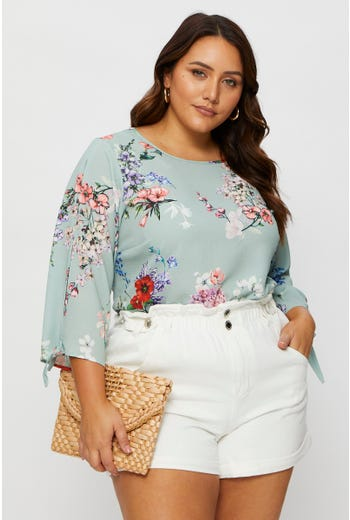 Plus 3/4 Sleeve Split Sleeve Floral Print Shell Top