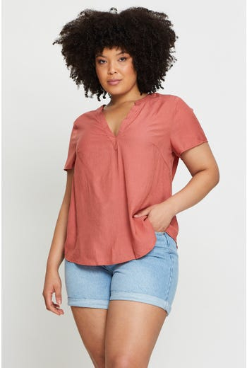 Plus Short Sleeve Textured Shell Top