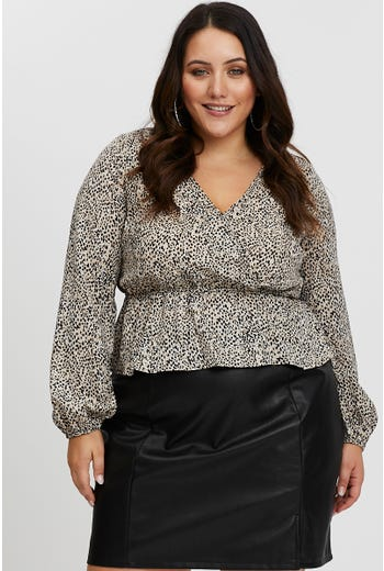 PLUS GEO PRINT WRAP TOP