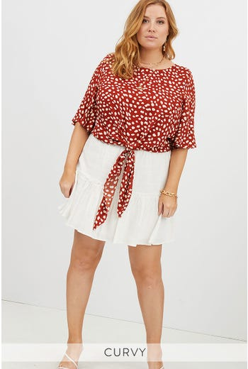 PLUS GEO PRINT TIE TOP